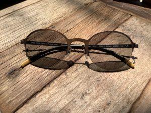 กรอบแว่นไททาเนี่ยม